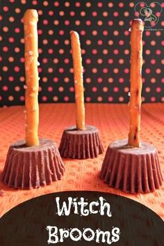 Witch brooms with pretzel sticks and peanut butter cups : perfect for a Wizard of Oz or Harry Potter party!