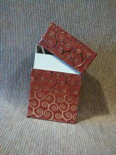 Porta sigarette per donna. Rosso e oro, on fire! , by Origart, 11,00 € su misshobby.com