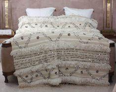 7 Romantic Bedroom Ideas from Morocco – Moroccanzest Modern Moroccan Decor, Moroccan Bedroom, Moroccan Design, Moroccan Style, Moroccan Wedding Blanket, Cute Bedroom Ideas, Cotton Blankets, Decoration, Bedroom Decor