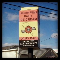 YUM!!!  We love Houlton Farms Dairy--a great Aroostook treat!  |  Houlton Farms Dairy.  Best. Lemonade. Ever. Their old fashioned ice cream is also great!