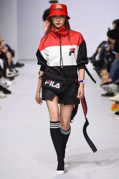 In Fashion Women S Watches Kpop Outfits, Teen Fashion Outfits, Fashion Week, Sport Fashion, Trendy Outfits, Runway Fashion, High Fashion, Fashion Show, Womens Fashion
