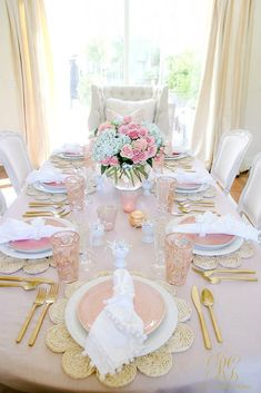 Blush Table for Easter or Spring - Randi Garrett Design table settings Blush Table for Easter or Spring - Randi Garrett Design Comment Dresser Une Table, Decoration Evenementielle, Easter Table Settings, Pink Table, Beautiful Table Settings, Table Arrangements, Floral Arrangements, Easter Party, Easter Brunch