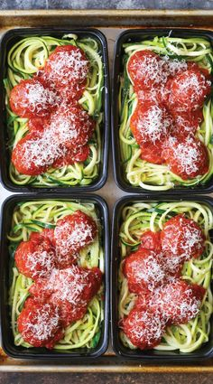 Healthy meal prep lunches that are 400 calories or under, and will keep you feeling full! All calories calculated for you.
