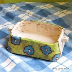 L'uso che ne potete fare è davvero infinito... in cucina una ciotolina per le olive? In bagno come porta oggetti? Sulla scrivania per accumulare gomme e graffette?... Altri suggerimenti? 😄 . . . . . #art #arte #artist #ceramic #ceramica #ceramique #pottery #cuteceramic #clay #argilla #handmade #madeinitaly #handbuilt #earthenware #terracotta #engobe #sgraffito #artbygiosy #handmadepottery #cute #beautiful #fattoamano #artigianato #creativity #creatività