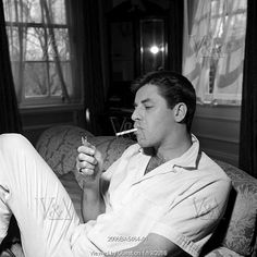 Jerry Lewis at home, Vintage Hollywood, Classic Hollywood, Jack Benny, You Are My Hero, Coffee And Cigarettes, Jerry Lewis, Dean Martin, Funny People, Comedians