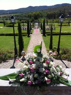 Beautiful outdoor wedding at Villa Baroncino. Wedding organisation by Romantic Italian Weddings, Flowers by Cristina Fiorista Faluomi www.romanticitalianweddings.com