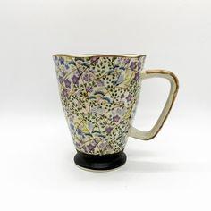 Mug Fleurs Malve 3,2dl Winterthur, Bio Tee, Tableware, Japanese Tea Cups, Green Stripes, Clock, Dinnerware, Tablewares, Place Settings