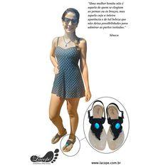 Laura Giovanini completando seu look com a sandália Alamanda Turquesa. Laçopé valorizando os pés através das mãos... http://www.lacope.com.br
