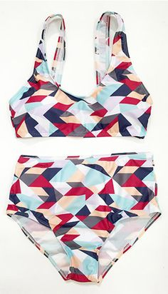 Meet the new arrivals and here you are. Want to enjoy big fun from the Apple of My Eye Printed Bikini Set? More heated loves with BIG SALE at FIREVOGUE.COM !