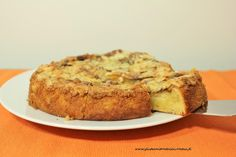 Gluteenitonta leivontaa: Tosca-omenakakku Fodmap, Banana Bread, Desserts, Food, Tailgate Desserts, Deserts, Essen, Postres, Meals