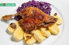 Czech Traditional Food At Restaurants. What to eat, what is it. Non meat meals. Roast Chicken, Tandoori Chicken, Tatar Sauce, Czech Recipes, Ethnic Recipes, Chicken Recepies, Open Faced Sandwich, Roast Duck, Cheese Fries