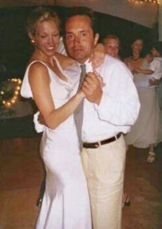 I wish they all could have had more time with Anthony Radziwiłł, before his passing. A slow dance enjoyed between Carolyn Bessette and… John Kennedy Jr, Carolyn Bessette Kennedy, Jfk Jr, Jacqueline Kennedy Onassis, Carolyn Bessette Wedding Dress, Caroline Kennedy Wedding, Carole Radziwill, John Junior, John Fitzgerald