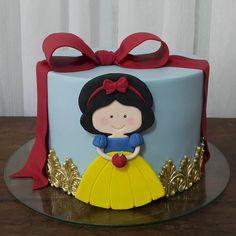 Meu bolo recordista! Uma criação minha que já foi copiada de norte a sul! Orgulho poder inspirar o trabalho de tanta gente!  Bom diaaaaa! #avelaenutella #nhami