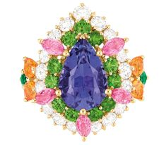 This Dear Dior ring one of the only two reproducible pieces in the collection.