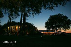Charleston wedding venue. Dusk at The Island House. Sunset over the Stono River. #outdoorwedding © Carolina Photosmith