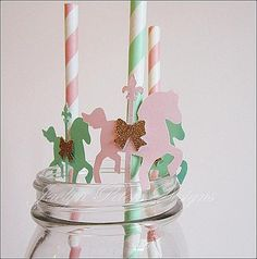 Sweet, decorative vintage carousel horses with gold glitter bow saddles adorn our striped party straws. Fabulous Features: - Sold in sets of 12 decorated straws - Each horse is hand punched using a ve Carousel Party, Carousel Birthday, Carousel Cupcakes, Gender Reveal Party Decorations, Birthday Decorations, Diy Unicorn Headband, Babyshower Party, Horse Birthday Parties, Baby Pony