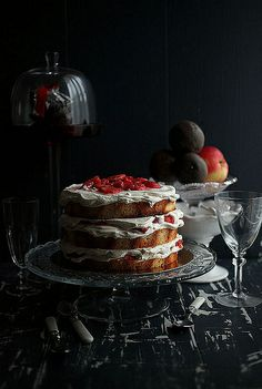 gateau fraise. (strawberry cake)