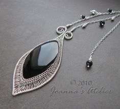 Black leaf Pendant by könnt on JewelryLessons.com
