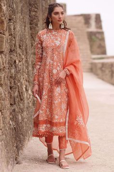 This timeless organza embroidered peshwas with an emboss print and touch work bodice is perfect for a festive season. It is paired with detailed silk pants. Pakistani Frocks, Pakistani Dress Design, Pakistani Outfits, Indian Outfits, Pakistani Dramas, Nyc Dresses, Indian Dresses, Casual Dresses, Fashion Dresses