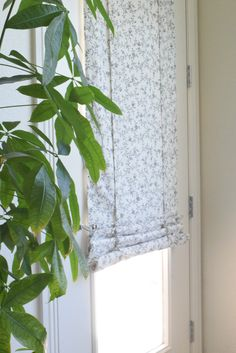 Love that my new Cascade Camalay Curtain & Shade can fold half way up. No hardware required for installation. No holes and no cords. Better than a Roman Shade. Get rid of those blinds.