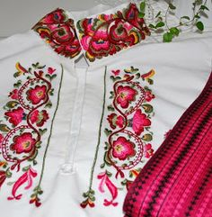 FolkCostume&Embroidery: East Telemark, Norway, embroidered shirts for Raudtrøye and Beltestakk Folk Embroidery, Embroidery Designs, Machine Embroidery, Embroidery Dress, Folk Clothing, Frocks For Girls, Cut Work, Sewing Art, Thread Work