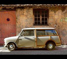 Voiture en bois, car in wood by dubus regis, via Flickr