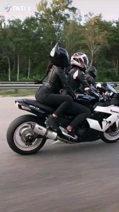 Triumph Motorcycles, Kawasaki Motorcycles, Motorcycle Paint Jobs, Motorcycle Art, Motorcycle Wiring, Nitro Circus, Monster Energy, Motocross, Biker Couple