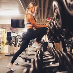 Fitness Girl Gifs Pic and Motivation Quotes that will inspired you every hour day and help to live healthy and fit life workout gym girl Photos Fitness, Fitness Goals, Fitness Tips, Health Fitness, Easy Fitness, Fitness Style, Fitness Fashion, Yoga Outfits, Fitness Outfits