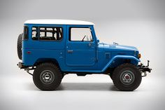 Our friends from FJ Company, specialize in performing full, frame-off restorations of the classic Japanese Toyota FJ series. Their latest masterpiece is this beautiful 1978 Land Cruiser a build they consider to be their best work to date. Toyota Land Cruiser, Fj Cruiser, Toyota Lc, Toyota Fj40, Toyota Tacoma, Custom Mercedes, Mercedes Benz, Chrysler Airflow, Volkswagen