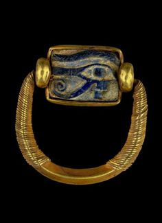 Swivel ring with wedjat amulet-gold and lapis lazuli ~ 21th Dynasty ~  Reign of Psusennes