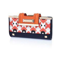 River Island Orange geometric print flapover purse (€34) ❤ liked on Polyvore featuring bags, handbags, bags / purses, orange, purses, women, kiss lock bag, river island bag, blue bag and kiss clasp purse