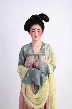 唐 朝 女子 - Google 検索/苍青色印花衫裙