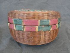 """6"""" Antique Pine Needle Basket Red Green w/ Lid Sewing by marketsquareus on Etsy"""