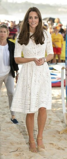 Kate Middleton - Prince William and Kate Middleton at the Beach