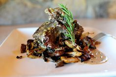 Short Ribs with Wine and Cream over Roasted Mushrooms