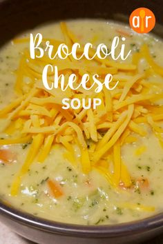 This kid-pleasing, creamy broccoli cheese soup recipe is ready in less than 45 minutes. Risotto Recipes, Easy Soup Recipes, Chili Recipes, Slow Cooker Recipes, Great Recipes, Cooking Recipes, Favorite Recipes, Best Broccoli Cheese Soup, Broccoli Soup