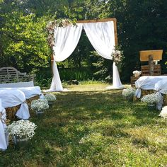 Useful Wedding Event Planning Tips That Stand The Test Of Time Event Planning Tips, Run Around, Wedding Preparation, Married Life, Wedding Events, Destination Wedding, Bouqets, Thierry, Wedding Souvenir