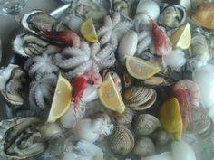 Trionfo di mitili e molluschi barese.