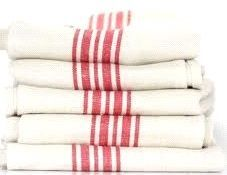 Fabrics & Linens: Kitchen Towels in the Guest Bath - Remodelista Diy Cleaning Products, Cleaning Hacks, Picnic Restaurant, Red And White Kitchen, Tips & Tricks, French Farmhouse, French Kitchen, Kitchen Small, Guest Bath