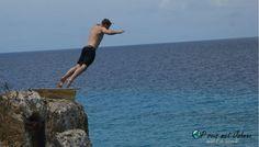 Vakantietip Curacao. klifspringen bij playa forti. Willemstad, Fitbit, Beach