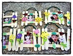 This Spring Garden Picture Frame doesnt require a ton of instruction and kids can explore their creativity while making their own design. If youre looking for preschool crafts for Spring, these are a great idea, plus they make great Mothers Day gifts too! Mothers Day Crafts For Kids, Spring Crafts For Kids, Fathers Day Crafts, Art For Kids, Daycare Crafts, Classroom Crafts, Toddler Crafts, Mother's Day Projects, Projects For Kids
