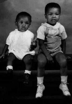 Muhammad Ali (right) and his youngest brother (left).