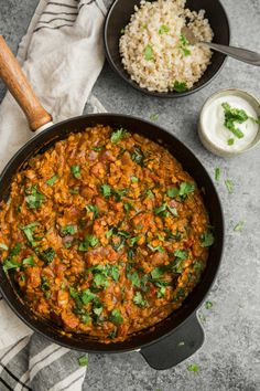A quick red lentil curry that is made of quick cooking lentils and mixed with spinach for a bit of freshness. Perfect for dinner and lunch the next day! Veggie Recipes, Indian Food Recipes, Vegetarian Recipes, Cooking Recipes, Healthy Recipes, Red Lentil Recipes, Food Truck, Chefs, Naturally Ella