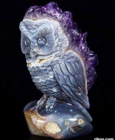 Amethyst Druse Agate Carved Crystal Owl Sculpture Credit: © Rikoo Visit Amazing Geologist for more. Stone Sculpture, Minerals And Gemstones, Rocks And Minerals, Rock Decor, Mineral Stone, Owl Art, Rocks And Gems, Stone Carving, Krystal