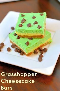 Grasshopper Cheesecake Bars- perfect for St. Patrick's Day- minty chocolate fabulousness! | #cheesecake | savoryexperiments.com