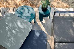 Le nuancier couleurs Fermob : toutes les teintes métal et toile disponibles 2019-2020 Surfboard, Sofa, Design, Inspiration, Shopping, Gardens, Small Terrace, My Dream House, Exterior Colors