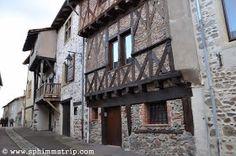 Borgo medievale di Villerest, comune francese gemellato con Cerrione (Biella) http://www.sphimmstrip.com/2014/03/pictures-of-villerest-gemelliperlacqua.html?m=1 #gemelliperlacqua