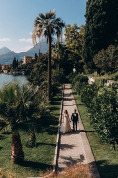 Weddinng shooting in Villa Monastera Lake Como, Sidewalk, Villa, Wedding, Valentines Day Weddings, Side Walkway, Walkway, Weddings, Fork