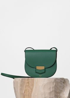 e6b7416e3c45 Small Trotteur Bag in Grained Calfskin - Céline Verdadeira, Saco Crossbody  Em Couro, Sapatos