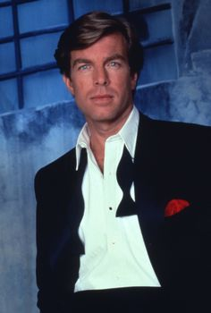 Y & R Flashback (19831993) Dapper Peter Bergman, looking handsome in a tux, took over the role of Jack Abbott in 1989.